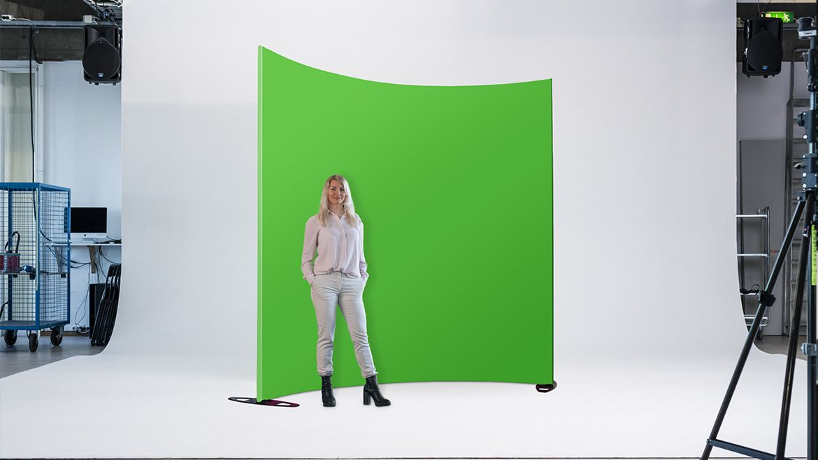 Expand-grandfabric-greenscreen-curved-johanna-1170x658px